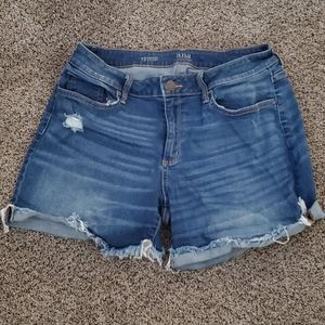 Selling cute blue jean shorts